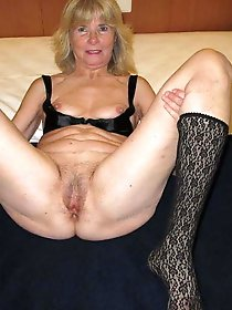Incredible mature gilfs posing undressed