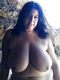 Randy mature chick in perfect shape
