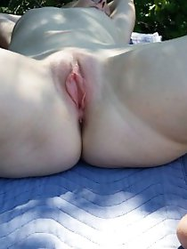 Filthy mature GF loves blowjob very much